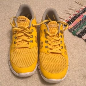 Nike LiveStrong Tennis Shoes